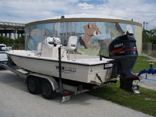PATHFINDER BOATS 2200 2004 All Boats