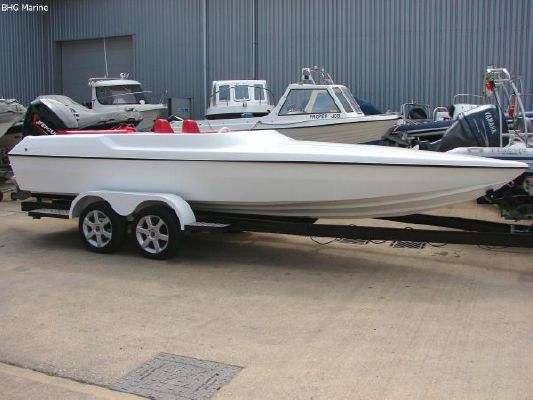 2004 phantom 21 sports boat  5 2004 Phantom 21 Sports Boat   SOLD OUT