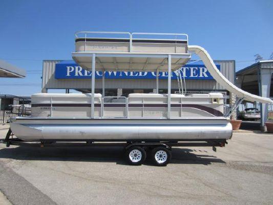 Premier 250 GRAND MAJESTIC RE TRITOON 2004 All Boats