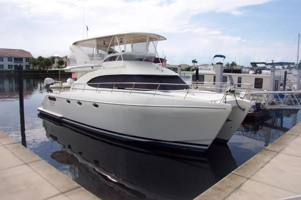 2004 robertson caine lion 46 power catamaran  1 2004 Robertson & Caine Lion 46 Power Catamaran