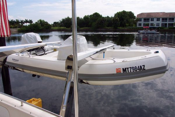 2004 robertson caine lion 46 power catamaran  20 2004 Robertson & Caine Lion 46 Power Catamaran