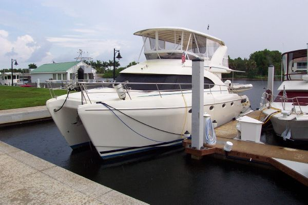 2004 robertson caine lion 46 power catamaran  30 2004 Robertson & Caine Lion 46 Power Catamaran