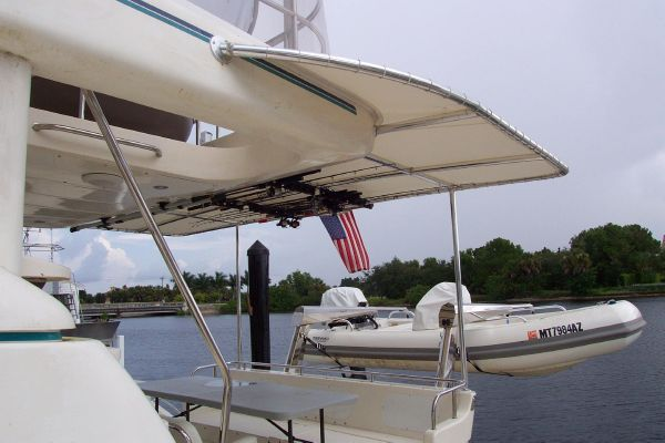 2004 robertson caine lion 46 power catamaran  31 2004 Robertson & Caine Lion 46 Power Catamaran