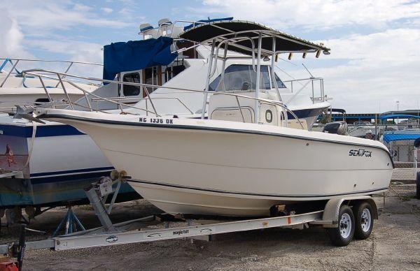 Sea Fox 210 Center Console/INCLUDES TRAILER 2004 All Boats