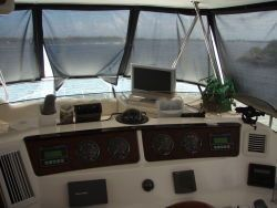 Sea Ray SEDAN BRIDGE (WANTS 45' SPORT FISH ABOUT SAME AGE) 2004 Sea Ray Boats for Sale