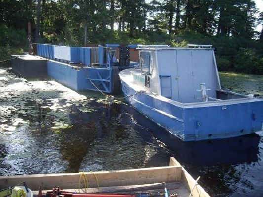 2005 2005 43' x 14' Steel Barge /with 1973 20' 158 hp