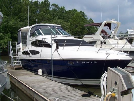Cruisers 405 Express Motor Yacht 2005 Cruisers yachts for Sale