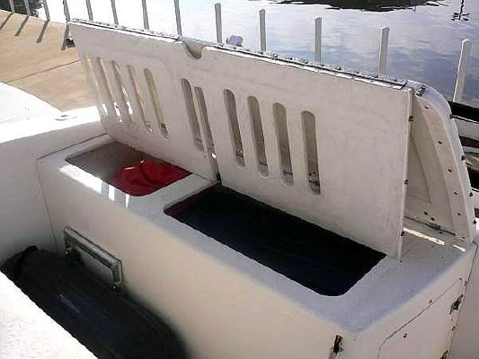 Fountain Powerboats Express Cruiser w/Hardtop + Electric Sunroof 2005 Fountain Boats for Sale