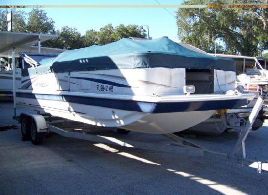 Hurricane FunDeck 226 REF 2005 All Boats