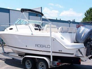 Robalo R225 2005 Robalo Boats for Sale