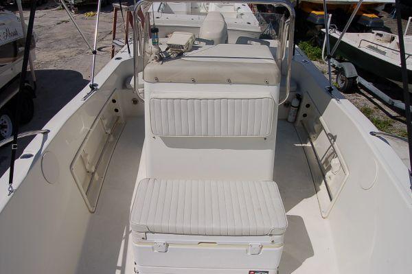 SEA BOSS by SEA PRO 210 CENTER CONSOLE 2005 All Boats