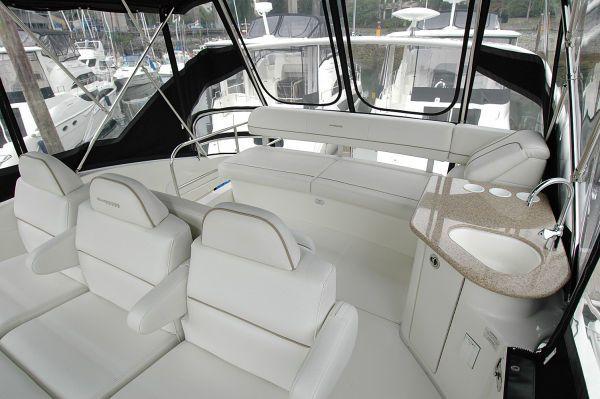 Silverton 38 Sport Bridge (TWIN DIESELS) 2005 All Boats