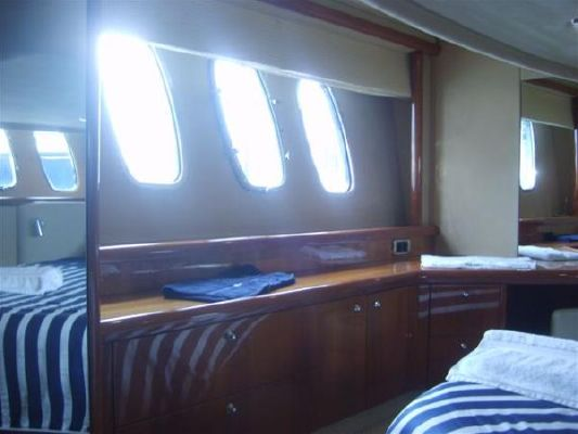 2005 sunseeker manhattan 50  10 2005 Sunseeker Manhattan 50