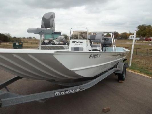 Triton 2070 CC 2005 Triton Boats for Sale