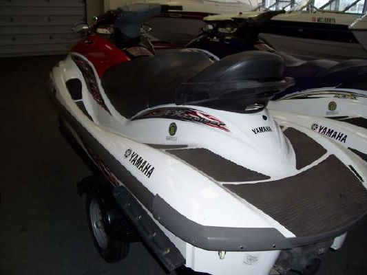 Yamaha Waverunner FX Cruiser 2005 Ski Boat for Sale