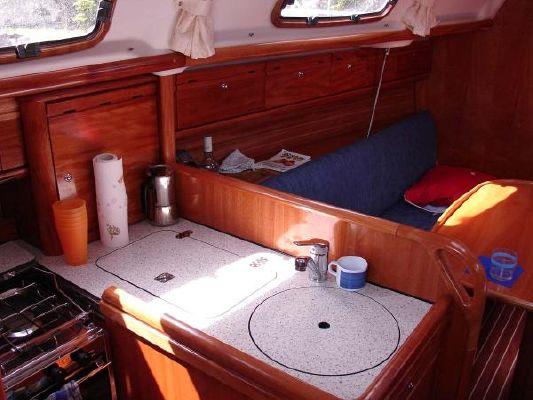 2006 bavaria 30 cruiser  4 2006 Bavaria 30 Cruiser