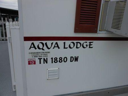 2006 catamaran cruisers aqua lodge  3 2006 Catamaran Cruisers Aqua Lodge