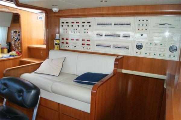 Falcon 102' 2006 All Boats