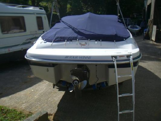 2006 four winns 220 horizon  11 2006 Four Winns 220 Horizon