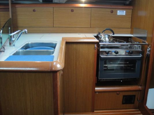 Jeanneau SO 37 2006 Jeanneau Boats for Sale