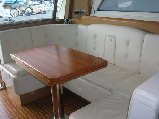 Mochi Craft Dolphin 51 2006 All Boats
