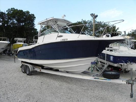 Seaswirl Striper 2601 Walk Around O/B 2006 Seaswirl Striper for Sale