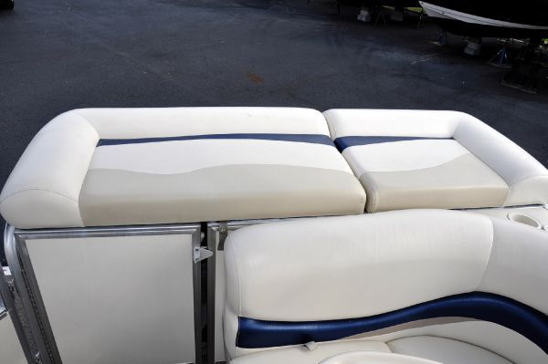 Boats for Sale & Yachts SUNTRACKER Party Barge 24 Signature 2006 Sun Tracker Boats for Sale