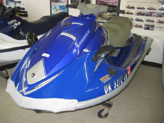 Yamaha VX 110 Deluxe 2006 Ski Boat for Sale