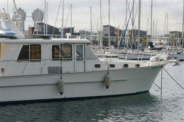 2007 alaska 45 sedan motor yacht  3 2007 Alaska 45 Sedan Motor Yacht