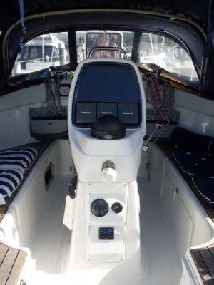 2007 bavaria 30 cruiser  11 2007 Bavaria 30 Cruiser
