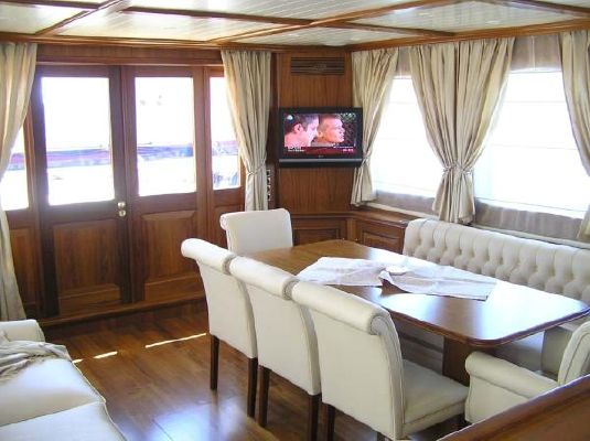 2007 custom trawler yacht exploration vessel  28 2007 Custom Trawler Yacht / Exploration Vessel