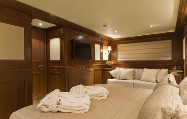 Ferretti Custom Line Navetta 2007 All Boats