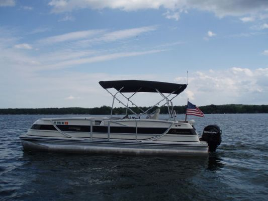Harris FloteBote CROWNE 250 2007 Crownline Boats for Sale