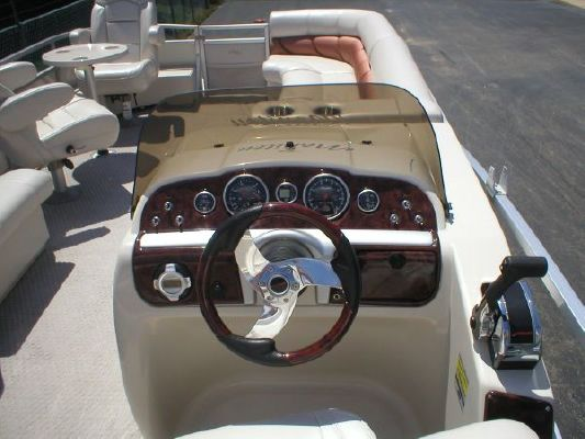 Manitou 24 Legacy 2007 All Boats