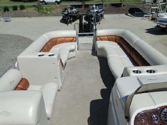 2007 Manitou Pontoons Legacy 24 Shp Tritoon Boats Yachts