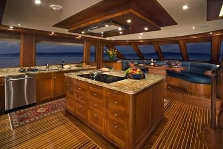 Rayburn 92' Skylounge 2007 All Boats