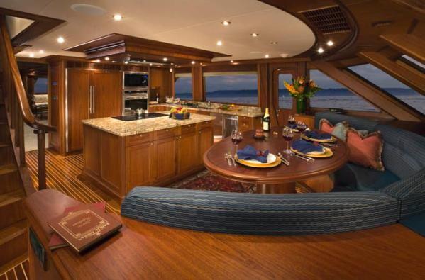 Rayburn Skylounge Pilothouse 2007 Pilothouse Boats for Sale
