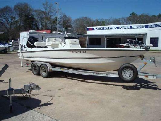 TRITON BOATS 240 LTS 2007 Triton Boats for Sale