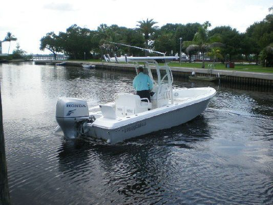 2008 everglades boats 223 cc  1 2008 EVERGLADES BOATS 223 CC