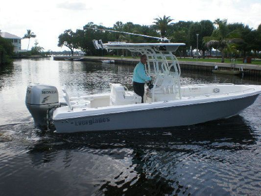2008 everglades boats 223 cc  10 2008 EVERGLADES BOATS 223 CC