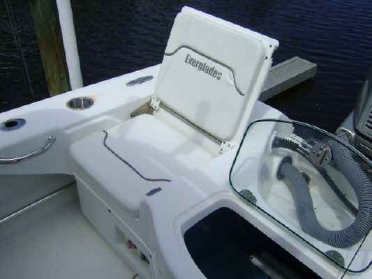 2008 everglades boats 223 cc  15 2008 EVERGLADES BOATS 223 CC