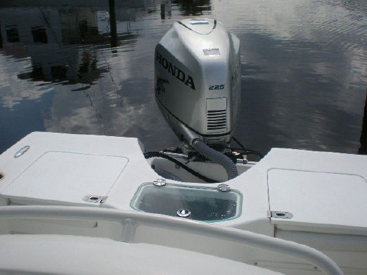 2008 everglades boats 223 cc  7 2008 EVERGLADES BOATS 223 CC