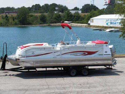 JC Manufacturing TriToon 246 O/B 2008 All Boats
