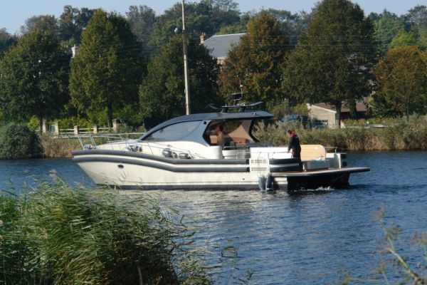 2009 blubay yachts tender cat 45  1 2009 Blubay Yachts Tender Cat 45