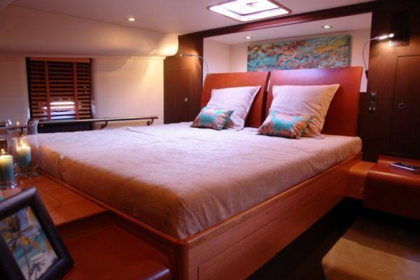 2009 blubay yachts tender cat 45  4 2009 Blubay Yachts Tender Cat 45