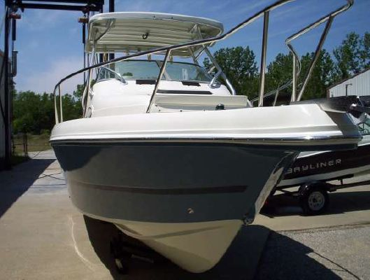 Caravelle 230 Walk Around (Outboard) 2009 All Boats