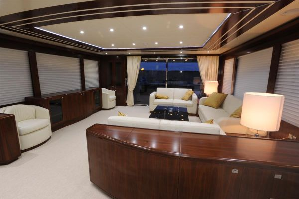 Elegan Yachting Giant 100 Motoryacht 2009 All Boats