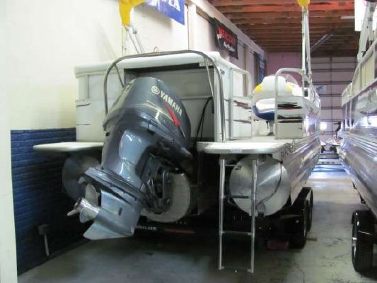 Manitou Pontoons 22 X 2009 Pontoon Boats for Sale