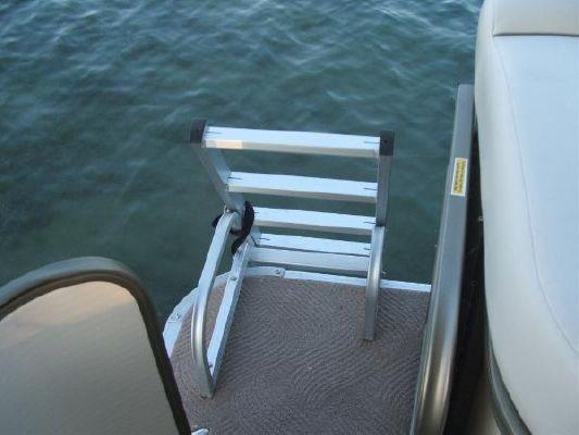 Sanpan SP 2200 DC 2009 All Boats