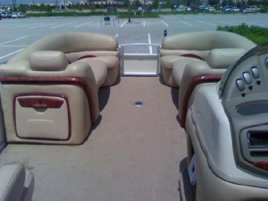 Sun Tracker 2009 Party Barge 25 XP3 2009 Sun Tracker Boats for Sale